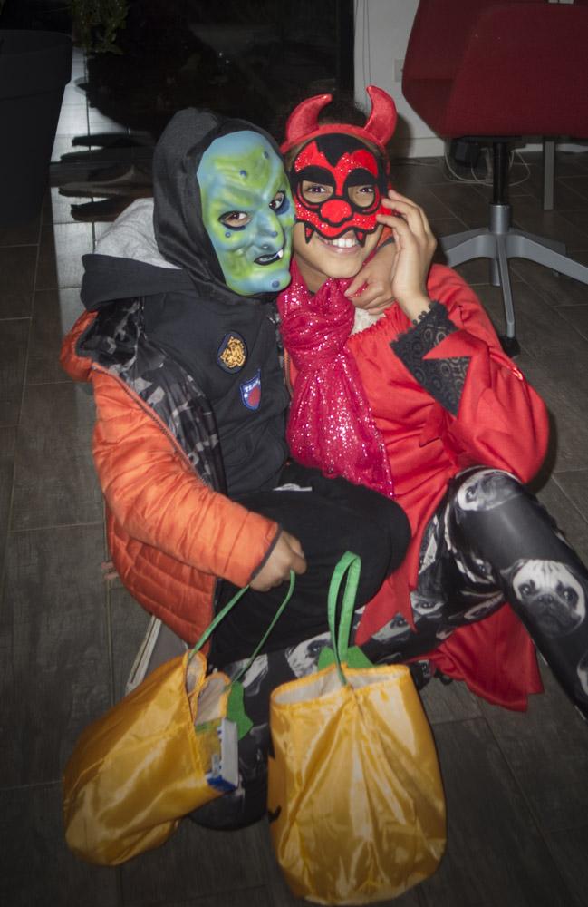 Noe en Amelia met Halloween